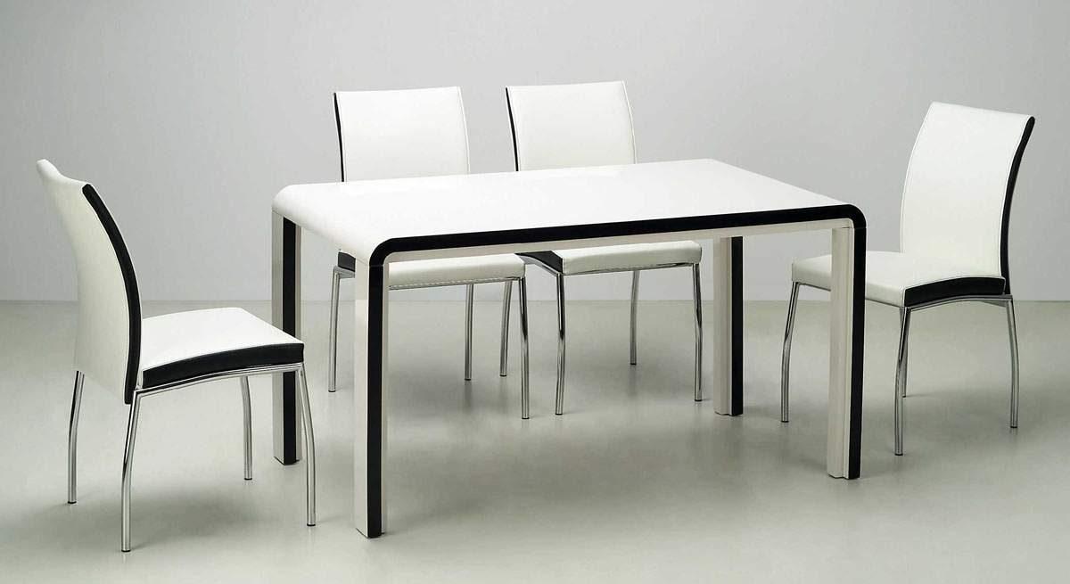Sillas y mesa de comedor modernas :: Imágenes y fotos